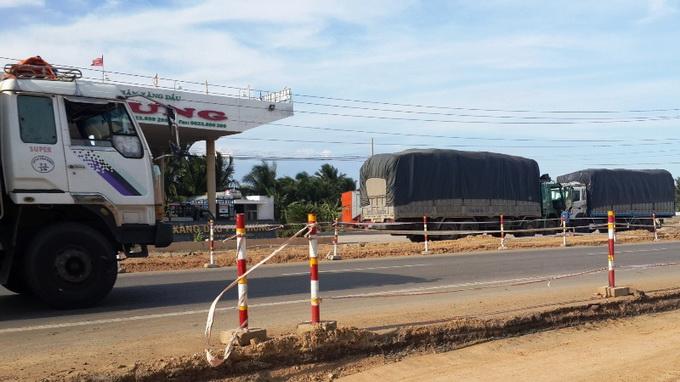 tphcm-tai-xe-duong-dong-kich-tay-ne-tram-1